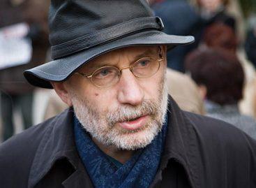 Борис Акунин подав в суд на издание «СПИД-Инфо»