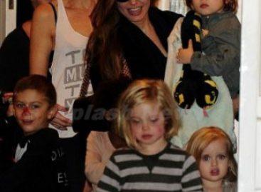 Дети Анджелины Джоли устроили дикий переполох