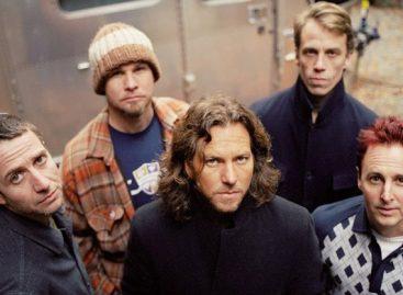 "Pearl Jam выпустили видеоклип на композицию ""Mind Your Manners"""