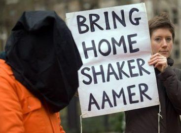 Пи Джей Харви записала песню о британском заключенном в Гуантанамо