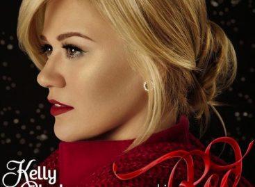 Келли Кларксон рассказала о песнях с альбома «Wrapped In Red»
