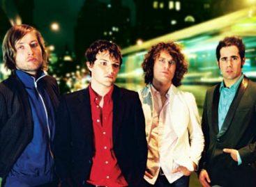 The Killers презентовали традиционную рождественскую песню!