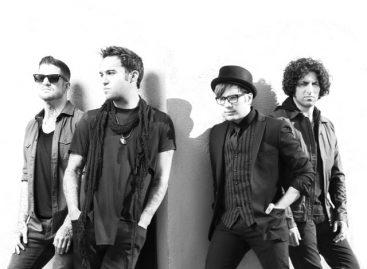 "Fall Out Boy анонсировали новый альбом ""American Beauty/American Psycho"""