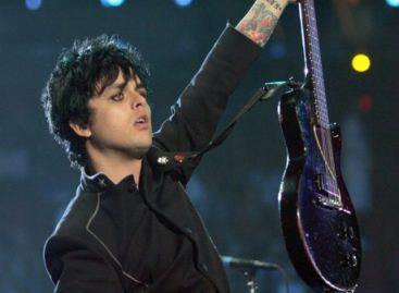 Фронтмен Green Day Билли Джо Армстронг откроет свой собственный  музыкальный магазин