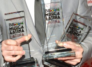 Победители  Billboard Latin Music Awards 2015