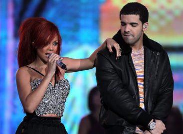 Рианна возглавила Billboard Hot 100