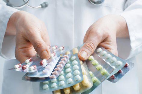 Медведев поручил правительству нарастить импортозамещение в фармакологии