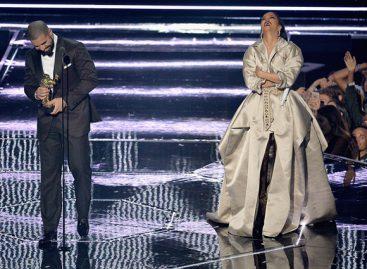 Дрейк признался в любви Рианне на MTV Video Music Awards