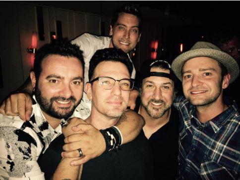 Джастин Тимберлейк и остальные музыканты 'N Sync воссоединились ради праздника