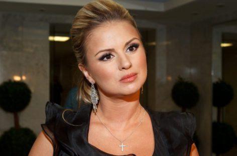 Анна Семенович рассказала о предстоящем театральном дебюте