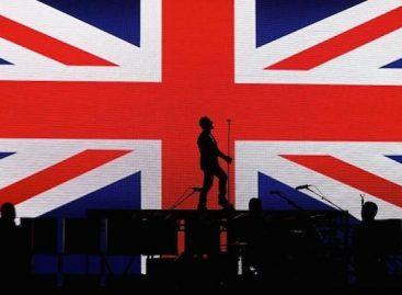 Эд Ширан и Little Mix заняли вершины чартов Британии