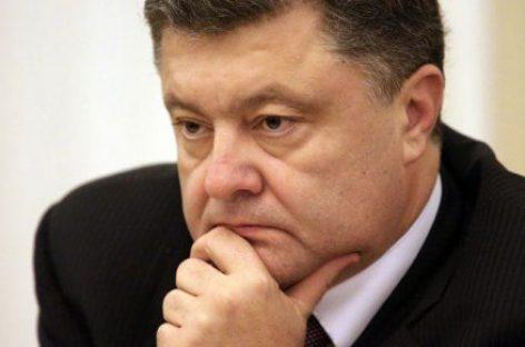 На президента Украины подали в суд из-за скандального указа о запрете соц.сетей