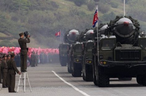 КНДР готова отказаться от ядерного оружия, если от него откажутся США