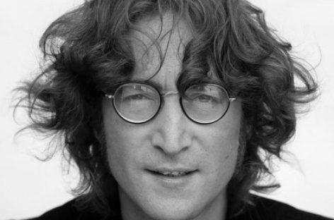 77 лет со дня рождения Джона Леннона
