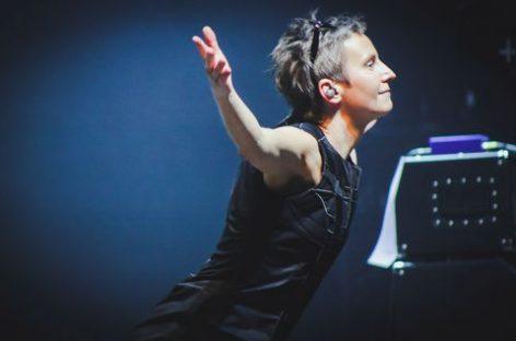 «Сурганова и оркестр» запустили на «YouTube» просветительскую передачу