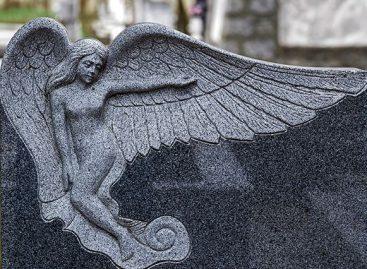 Что нужно знать при выборе надгробного памятника?