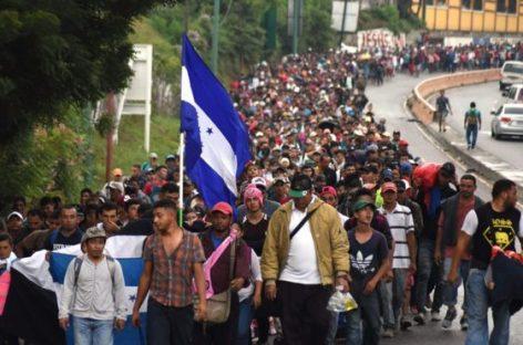 1,5 тысячи мигрантов приближаются к мексиканско-американской границе