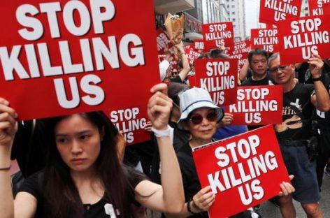 В Гонконге хотят использовать машины с водяными пушками против демонстрантов