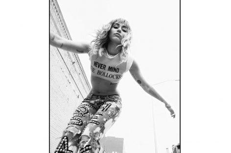 Майли Сайрус готовит к релизу «She Is Miley Cyrus»