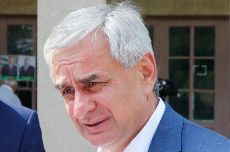 Президент Абхазии  сложил полномочия главы государства «ради мира и сохранения стабильности в стране»