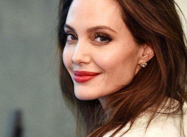 45-летие Анджелины Джоли!