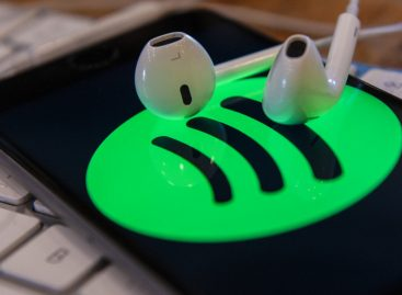 Spotify добавил в российское приложения чарты