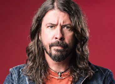 Лидер Foo Fighters отмечает день рождения!