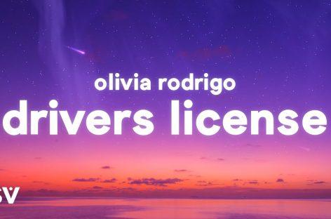 Оливия Родриго остается на вершине мирового песенного чарта