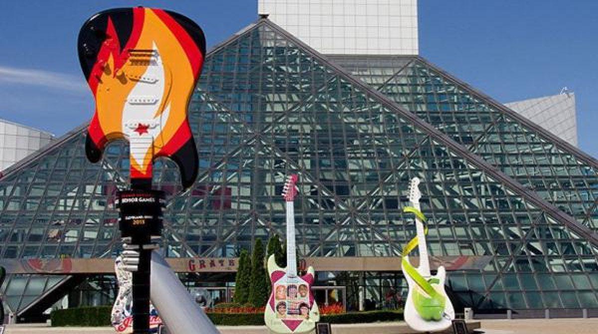 Foo Fighters, Тина Тернер, The Go-Go's, Джей Зи, Кэрол Кинг, Тодд Рандгрен на пути в Зал Славы Рок-н-ролла!
